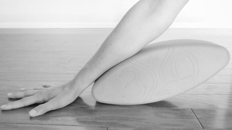 yoga hands namastegg